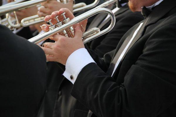 Immagine musicista con tromba